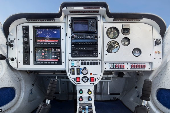 Cockpit1_airplanepictures
